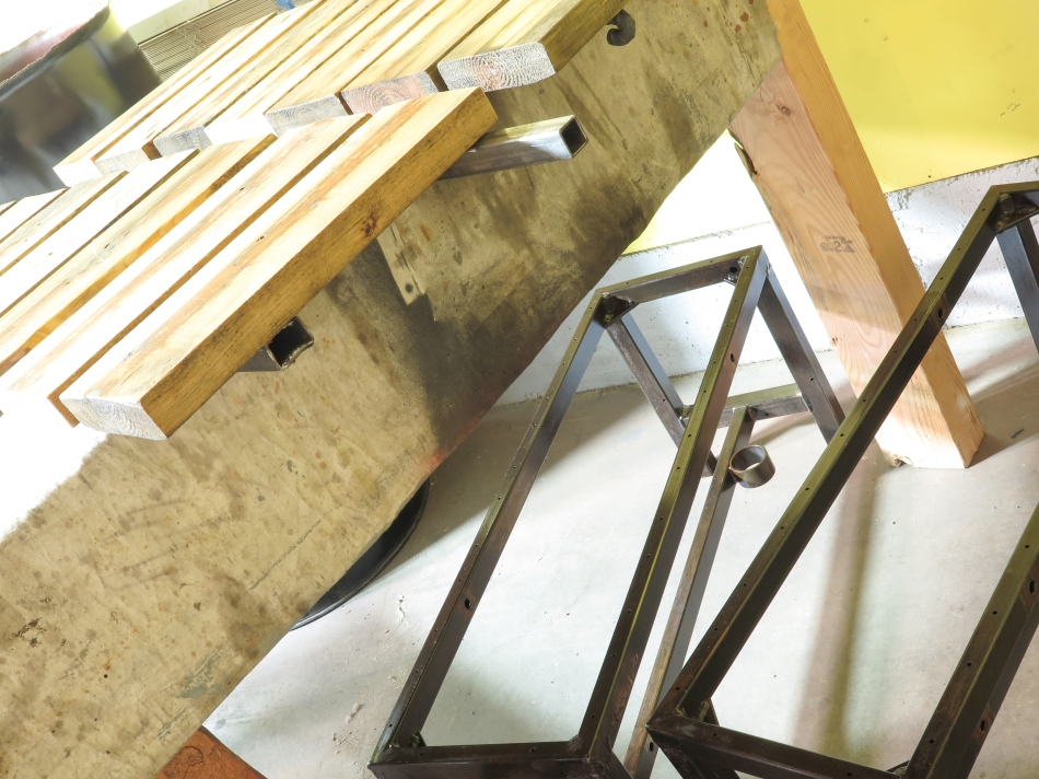 DRD reclaimed material bench set-10